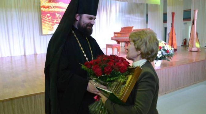 Ректор и студенты Якутской духовной семинарии приняли участие в торжественном мероприятии по случаю 75-летия Тамары Сафроновой