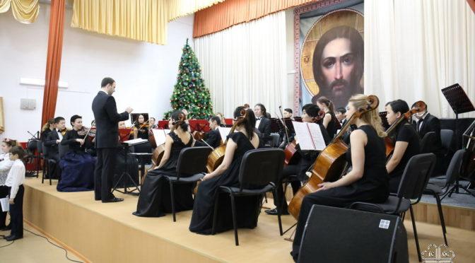 В Якутске проходят епархиальные Рождественские елки