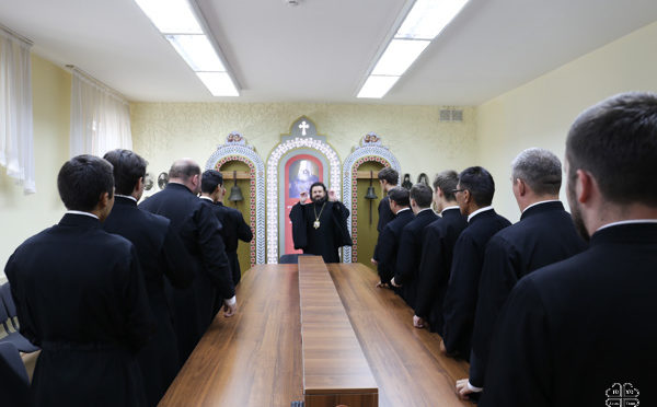 Архиерей провел первую лекцию в семинарии