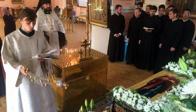 В храмах Якутии помолились о погибших шахтерах