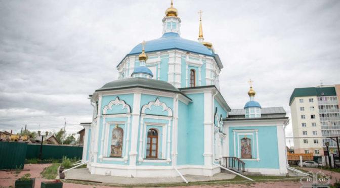 В день памяти собора сибирских святых преподаватели и студенты молились за архиерейским богослужением в храме Рождества Пресвятой Богородицы
