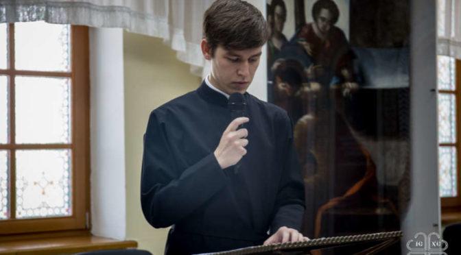 В Якутской духовной семинарии состоялись защиты дипломных работ