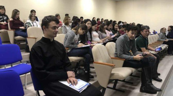 Студент семинарии принял участие в написании географического диктанта