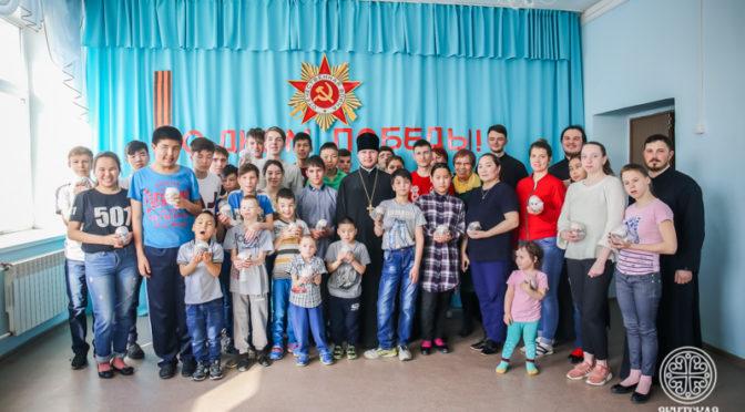 Первый проректор и студенты Семинарии посетили интернат для детей-сирот