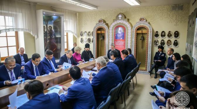 Прошло заседание оргкомитета по подготовке к празднованию 150-летия Якутской епархии