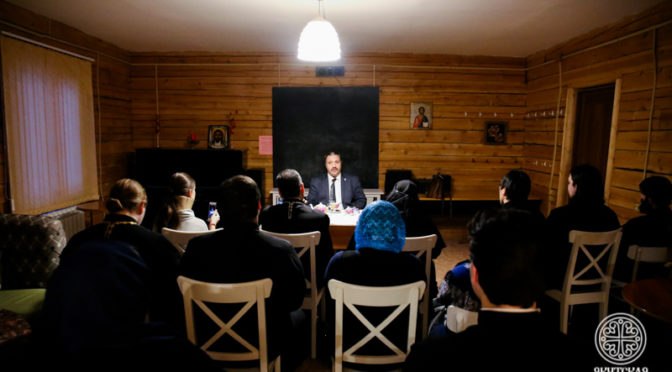 Состоялась встреча преподавателей и студентов с писателем и литературным критиком  Дмитрием Михайловичем Володихиным