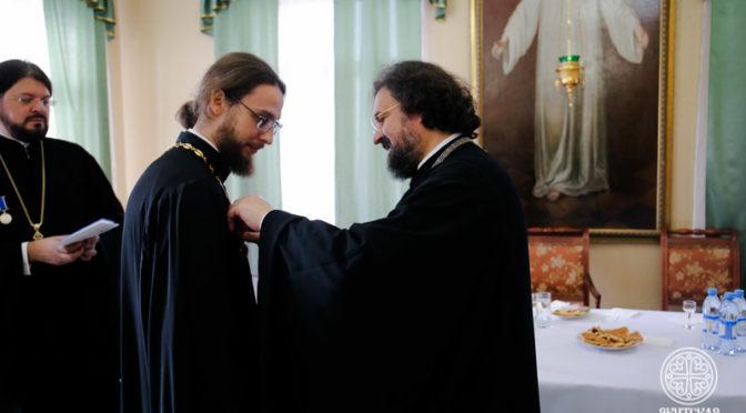 Представители администрации и преподаватели Якутской духовной семинарии удостоены патриарших и епархиальных наград
