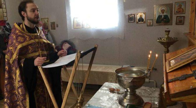 Преподаватели семинарии совершили освящение часовни в честь святого князя Александра Невского в п. Югоренок Усть-Майского района