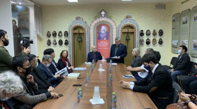 Якутскую духовную семинарию посетил писатель Леонид Юзефович